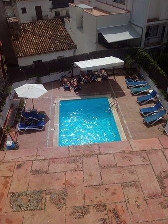 Hotel El Cid: vistas desde la terraza a la piscina