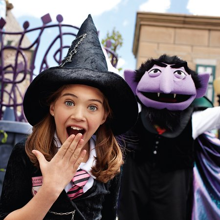 Spooktacular at Sesame Place theme park is Count Dracula's favorite time of the year!
