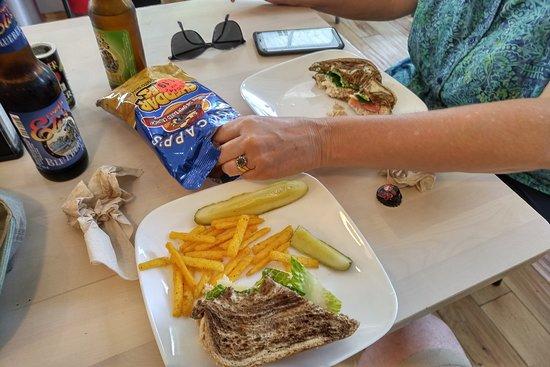 Brooklin, เมน: All the major food groups