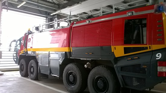 Athis-Mons, France : Véhicule des pompiers d'Orly