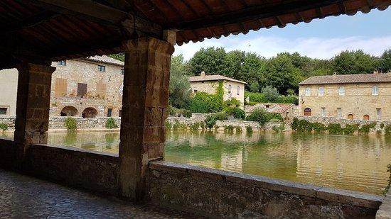 Terme Bagno Vignoni Photo