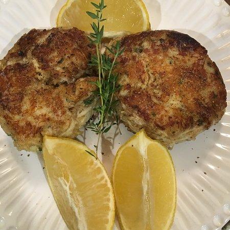 Kensington, MD: Maryland Crab Cakes