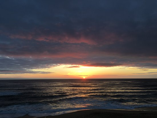Montara, CA: Sunset from La Costanera in May 2016