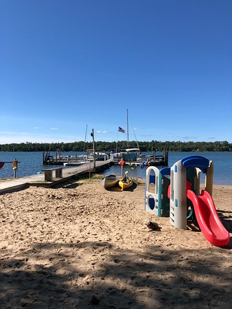 Cedarville, MI: Beach and dock in front of Cabin 7