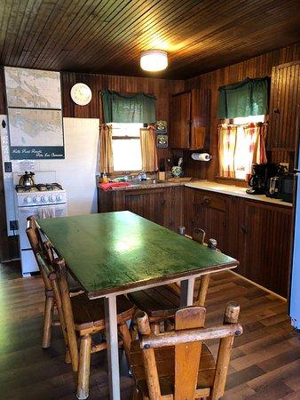 Cedarville, MI: Cabin 7 kitchen