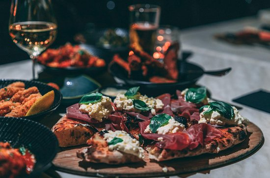 Moonee Ponds, Australia: Italian food and wine