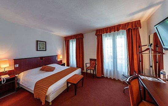 Neris-les-Bains, فرنسا: Guest room