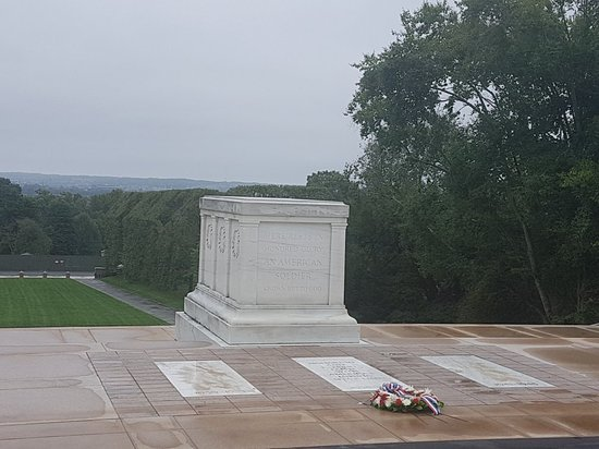 ‪Tomb of the Unknown Soldier‬
