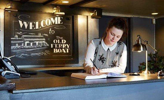 Holywell, UK: Lobby