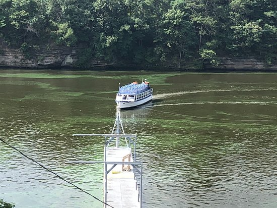 Dells Boat Tours: Our boat