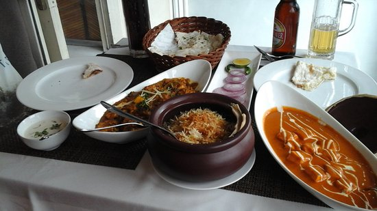 Dalcheeni: I had a tofu dish subtly prepared with ginger; my husband had also a vegetarian dish but spicy