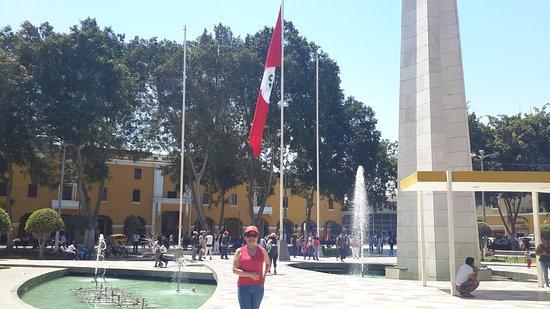 Plaza de Armas: Bella plaza.