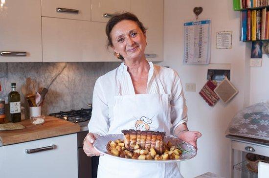 ChiantiのCesarinaの家でのショークッキングでの食事体験