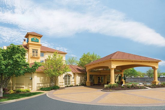 La Quinta Inn & Suites by Wyndham St. Louis Westport