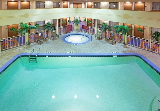 Holiday inn express brighton 83 9 8 updated 2018 prices hotel reviews mi tripadvisor for Hotels with swimming pools in brighton