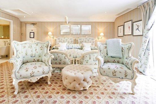 Evershot, UK: Guest room