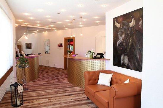 Graechen, Swiss: Lobby