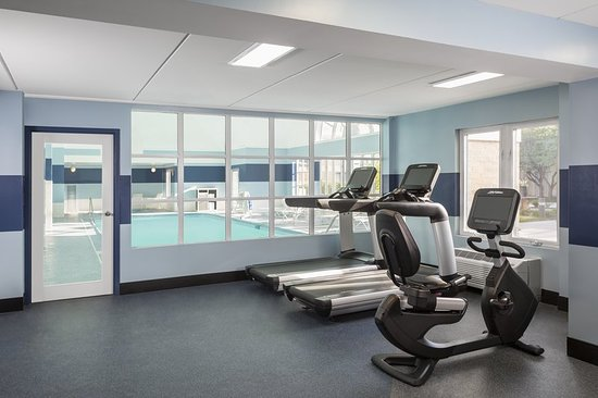Buffalo Grove, IL: Health club