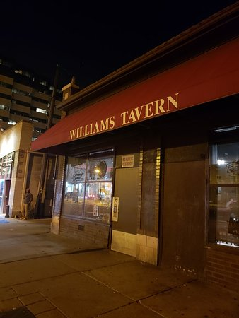 ‪Williams Tavern‬