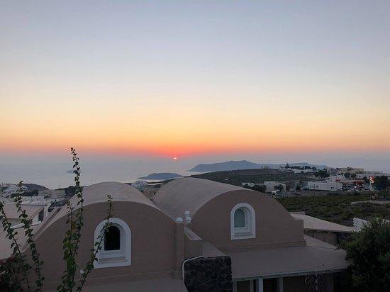Orizontes Hotel & Villas: Il tramonto visto dalla piscina