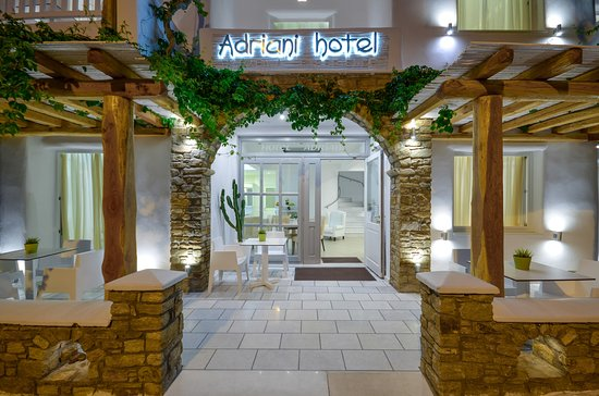 Friendly & Near to Town Hotel - Review of Adriani Hotel