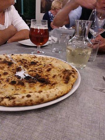 Monte San Vito, Italie : 20180905_212249_large.jpg