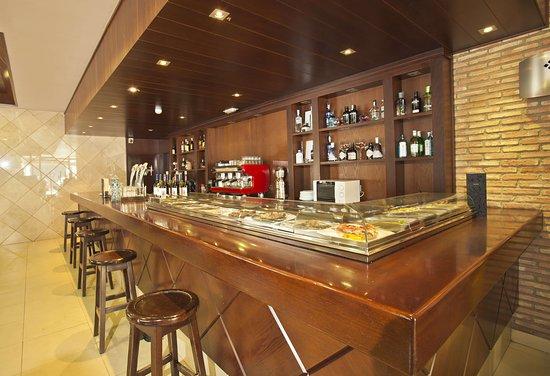 Meco, Hiszpania: Fotografía de la Cafetería de Restaurante DMadrid