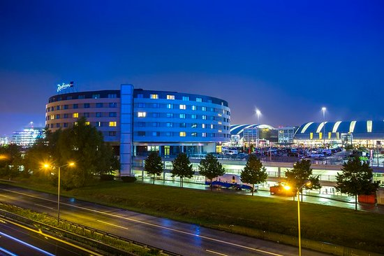 Radisson blu hotel hamburg airport amburgo germania prezzi