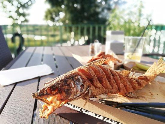 Tiszafured, Hungría: Nagyon finom.