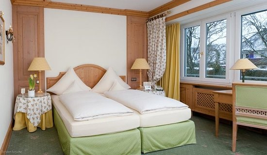 Pullach im Isartal, Germany: Guest room