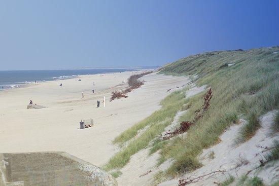 Der Strand von Sondervig bei herrlichen Sonnenschein.