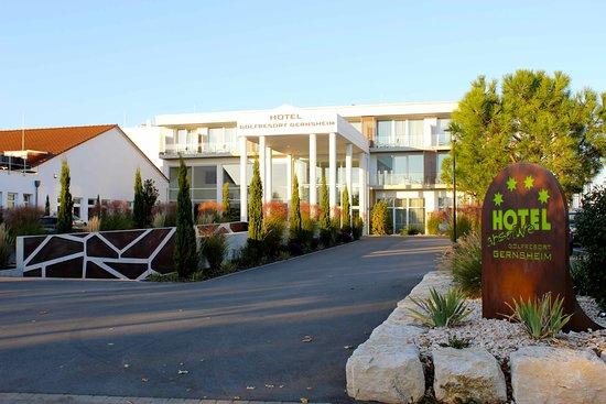 Ihr 4 Sterne Hotel im Golfresort Gernsheim