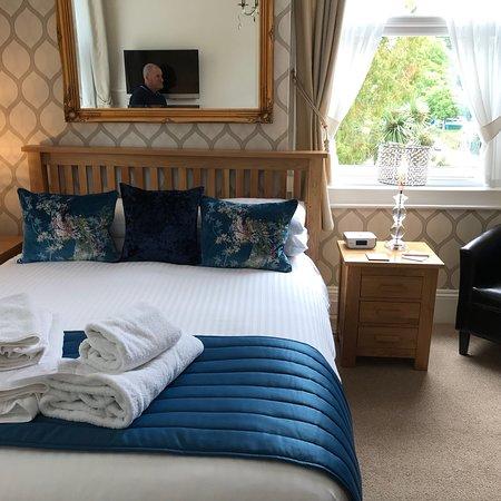 The Elmdene: Gorgeous bedroom 2 😍