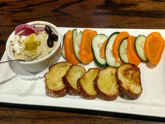Baker's American Bar & Grille: Hummus