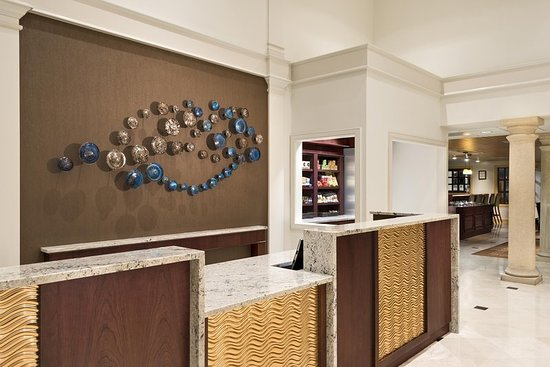 DoubleTree Suites by Hilton Naples: Lobby