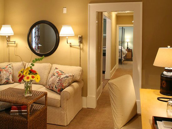 The James Madison Inn: Suite