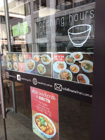 Claremont, Australia: Entrance - opening hours, meal options