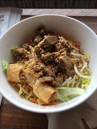 Claremont, Australia: Rice noodle salad - Grilled pork and Spring rolls