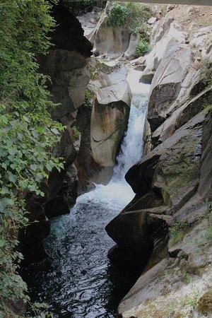 cascade de capounta