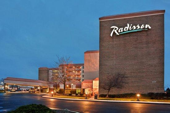Radisson Hotel Cleveland Airport West