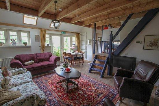 Eexterveen, Нидерланды: heerlijke woonkamer met keuken, 1 of 2 slaapkamers