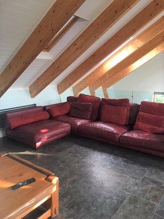 Little Hallingbury, UK: shared living room