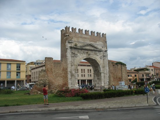 Arco d'Augusto: L' Arco di Augusto