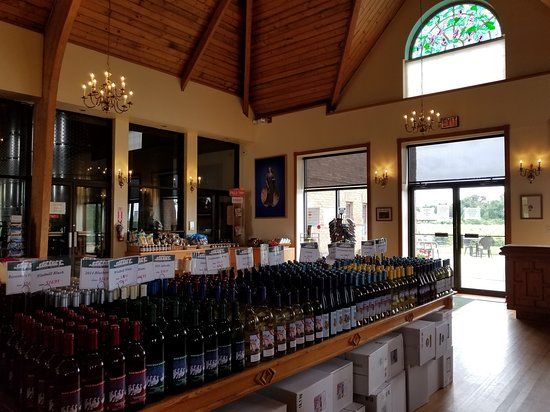 Water Mill, NY: Inside the winery
