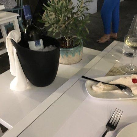 Kritikos Gallery & Restaurants: photo0.jpg