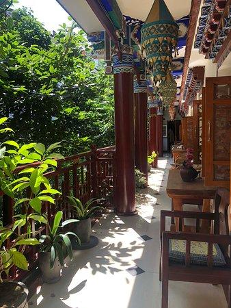 Jim's Tibetan Hotel: De toegang naar de kamers