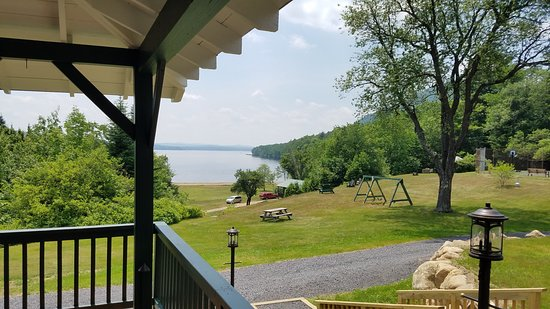 Overlooking Piseco Lake, Irondequoit Inn is a family friendly Adirondack getaway
