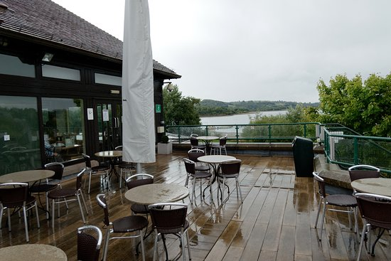 Mainsail Restaurant (outside seating)