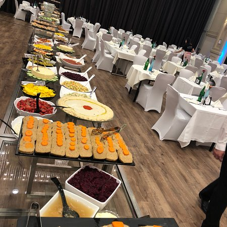 Kosher food prepare by Shainfeld Tours in Hilton Dusseldorf