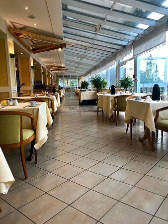 Dorint Seehotel & Resort Bitburg/Sudeifel: Frühstückssaal